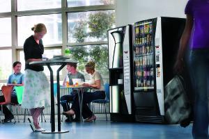 Вендинговый автомат в кафе