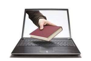 Книга и ноутбук