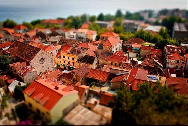 Маленький город