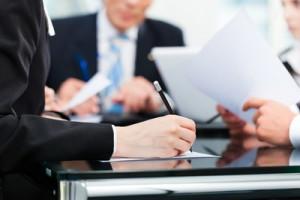 Предприниматели оформляют документы