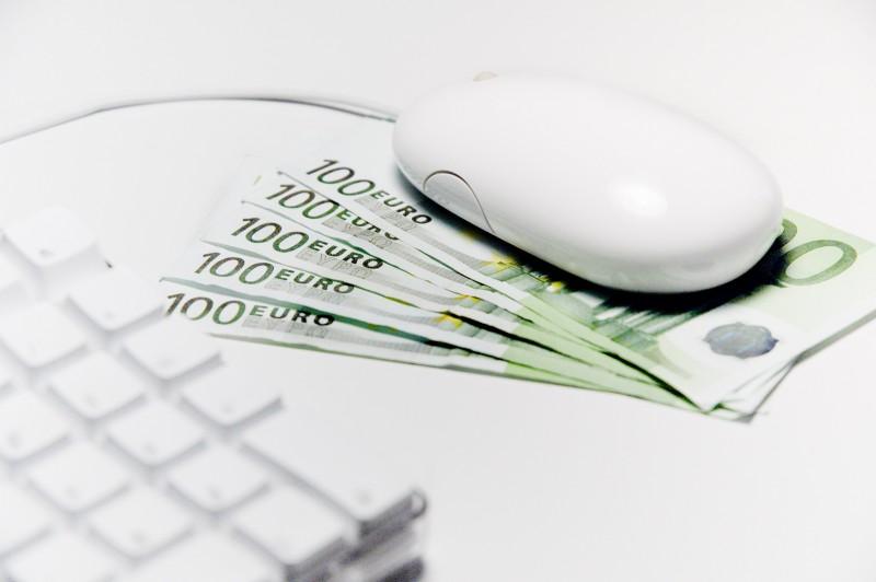 Компьютерная мышка и деньги